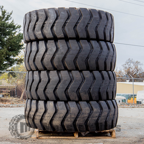 Motor Grader Tires Rear Set of 4 (Four Tires)