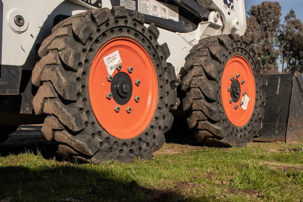Top 5 Reasons to Run on Your Skid Steer Loader